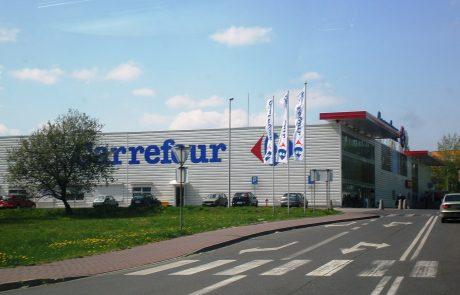 Carrefour sort enfin la tête de l'eau