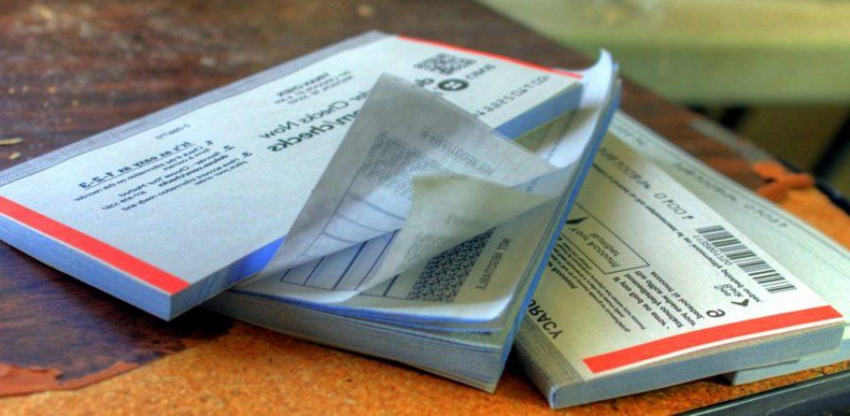 Le chèque de plus en plus boudé par les Français