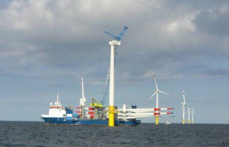 Lancement du premier parc éolien maritime en France