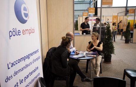 En France, le chômage continue de baisser