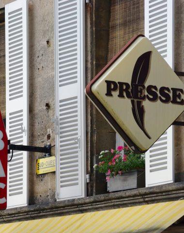 Les Français peuvent désormais payer impôts et amendes au bureau de tabac