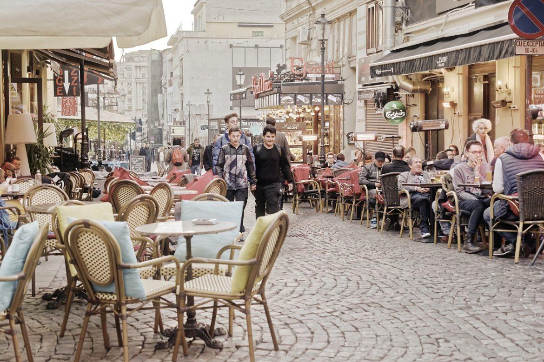 Des terrasses géantes comme solution à la réouverture des bars
