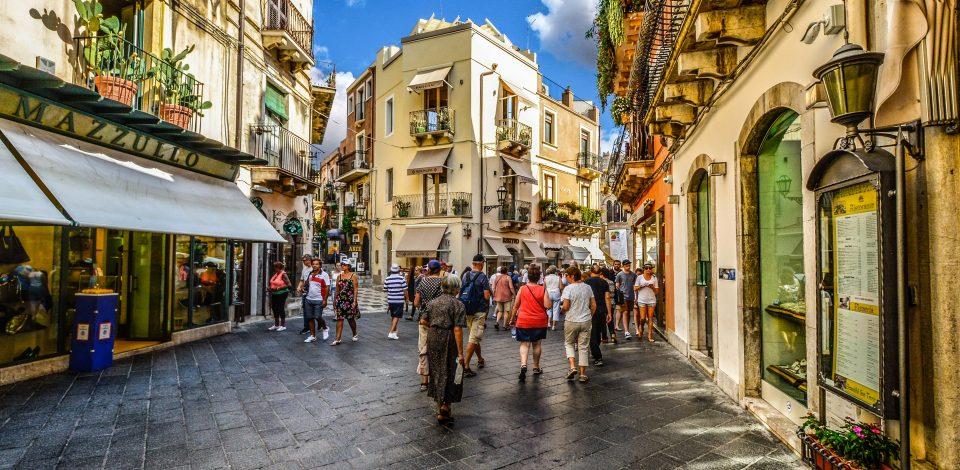 Tourisme : aubaine ou menace?
